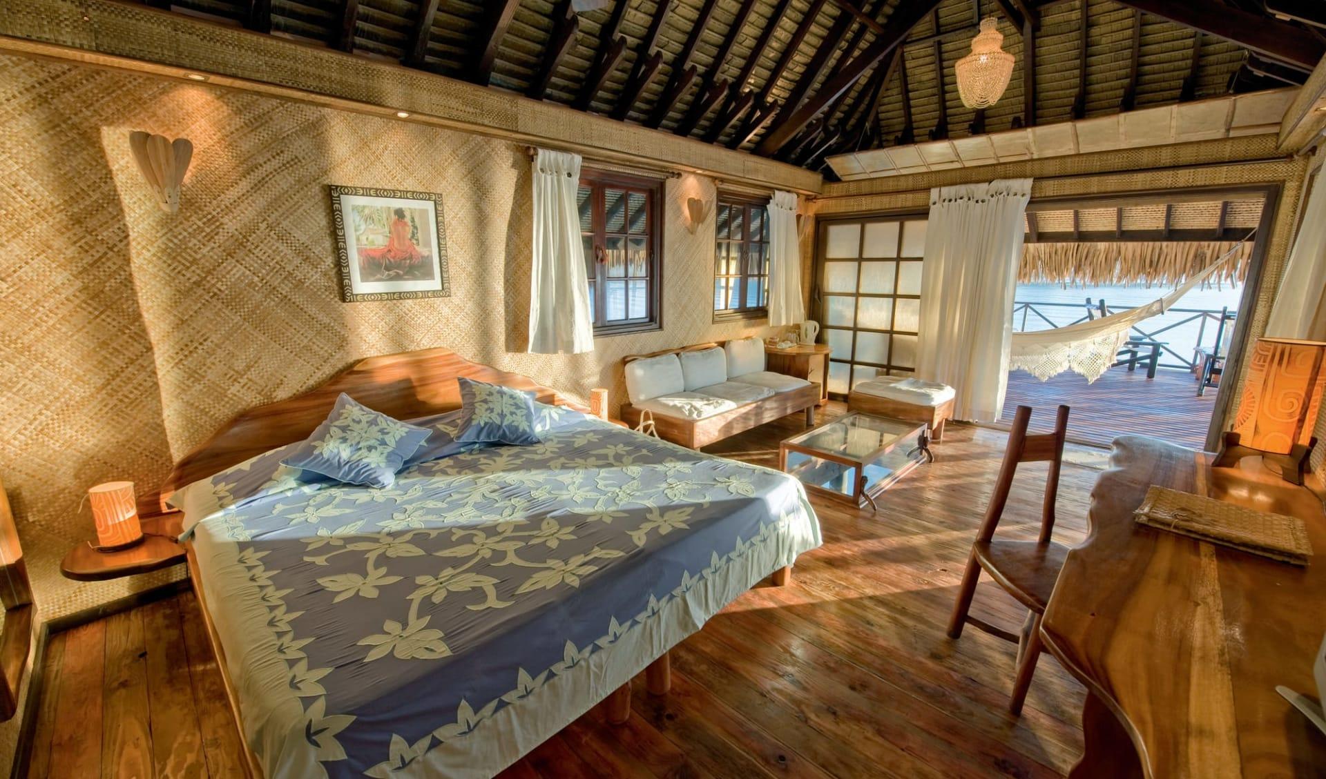 Vahine Island Resort in Taha'a:  Hotel Vahine Island - Overwater Bungalow