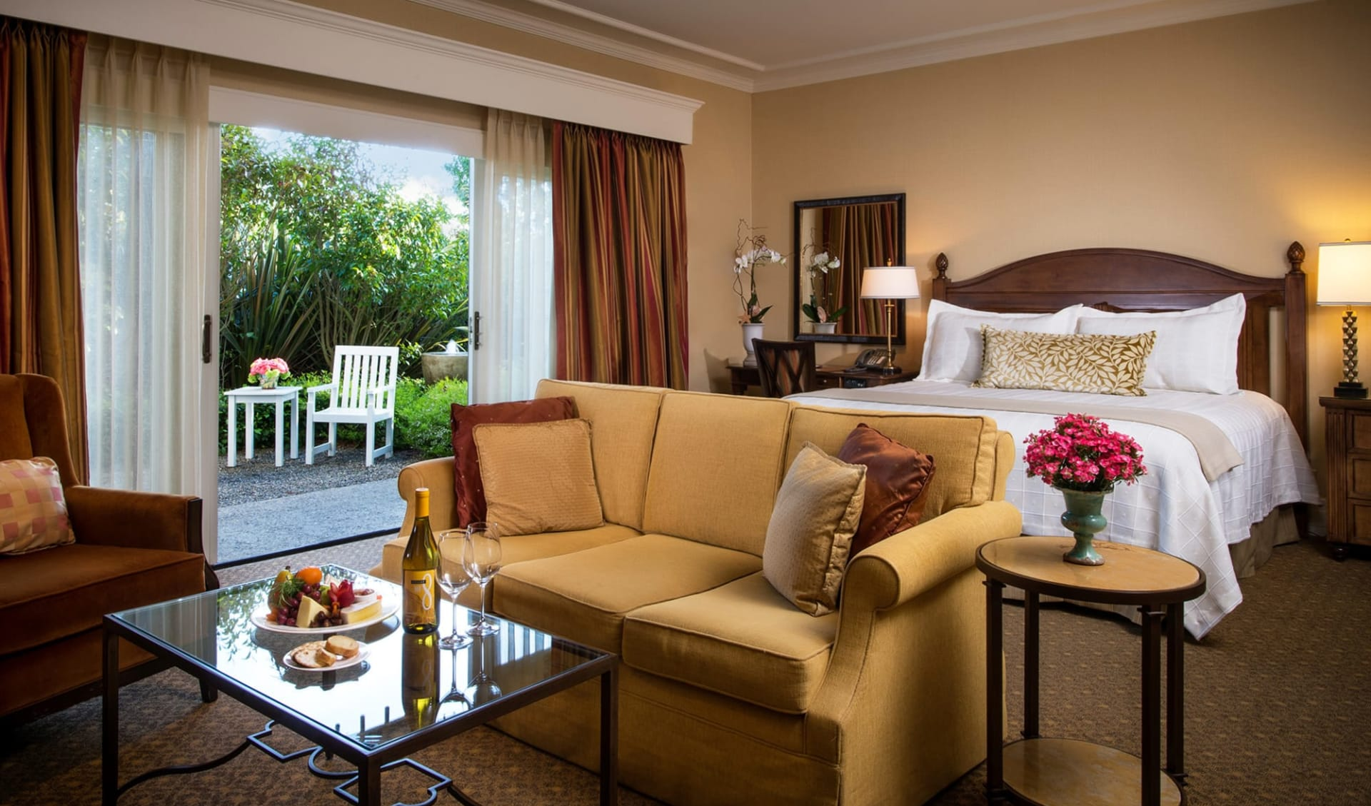The Lodge at Pebble Beach in Monterey:  Pebble Beach Resort - The Lodge - Garden View Room
