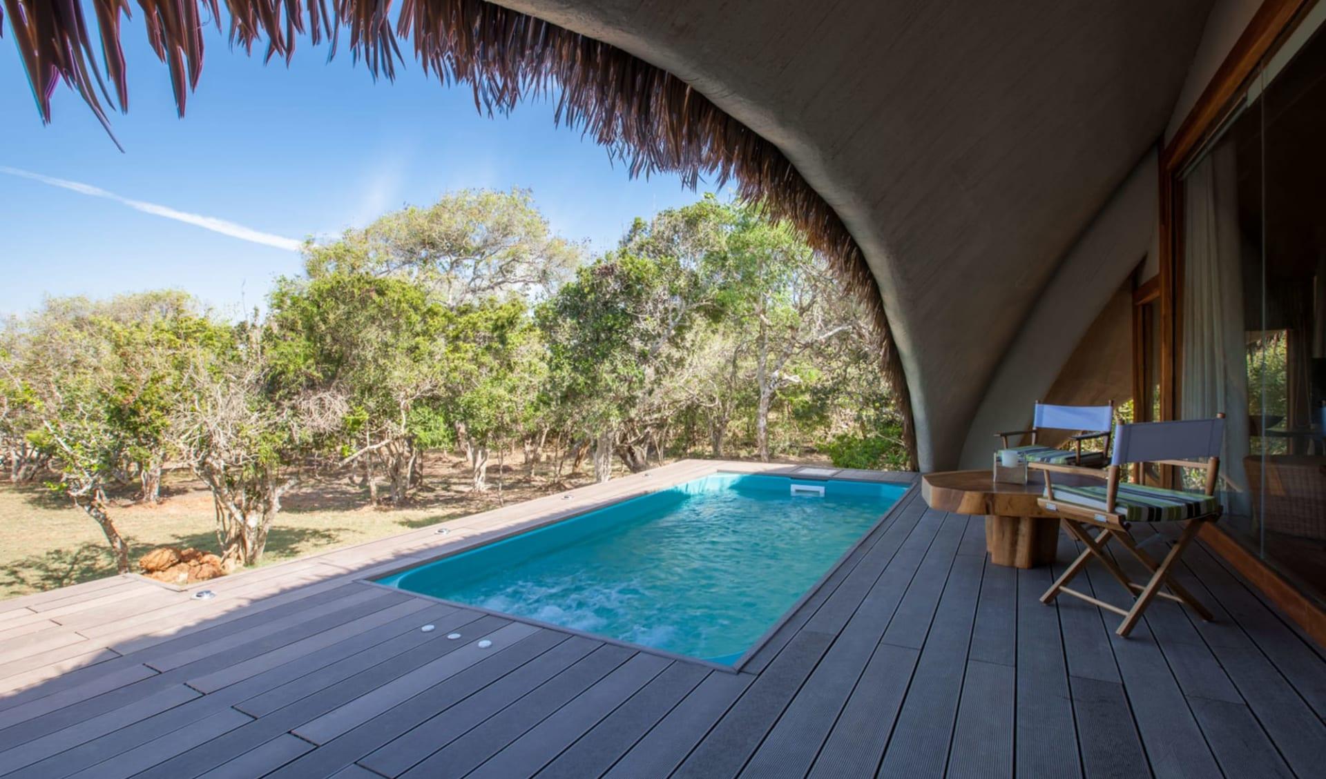 Yala Nationalpark Safari - Chena Huts - 3 Tage ab Colombo: room: Plunge Pool and Deck of Cabin