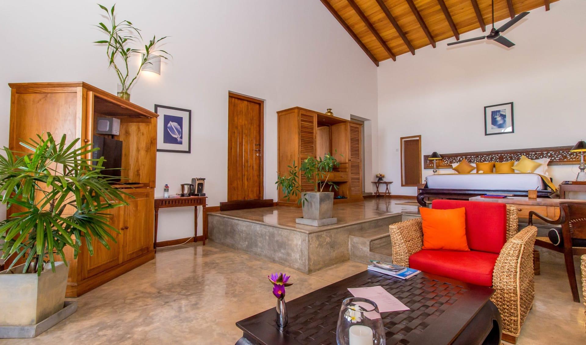 Aditya Resort in Hikkaduwa: Sagara Suite (Ocean View)   Bedroom & Living Room