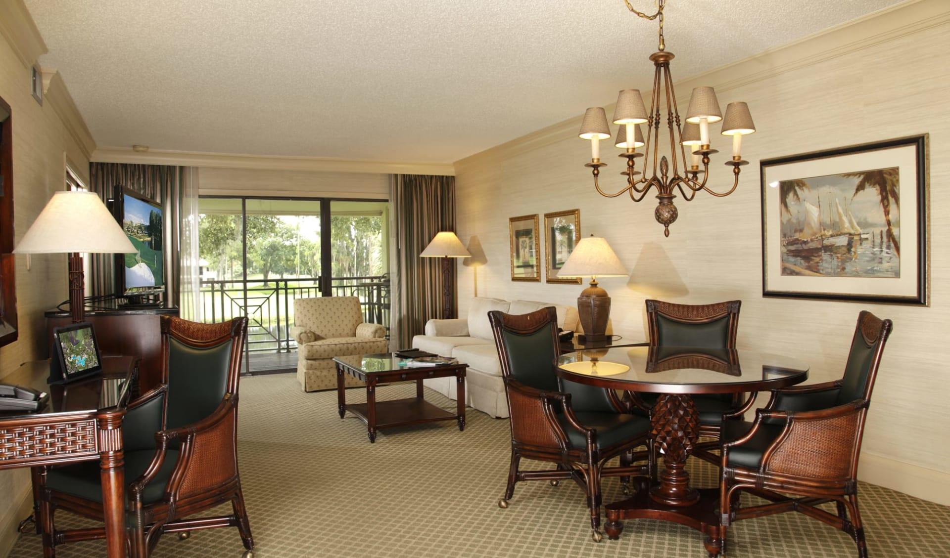 Saddlebrook Resort in Tampa:  Salamander Spa & Golf Resort Innsibrook - Wohnzimmer des Doppelzimmers