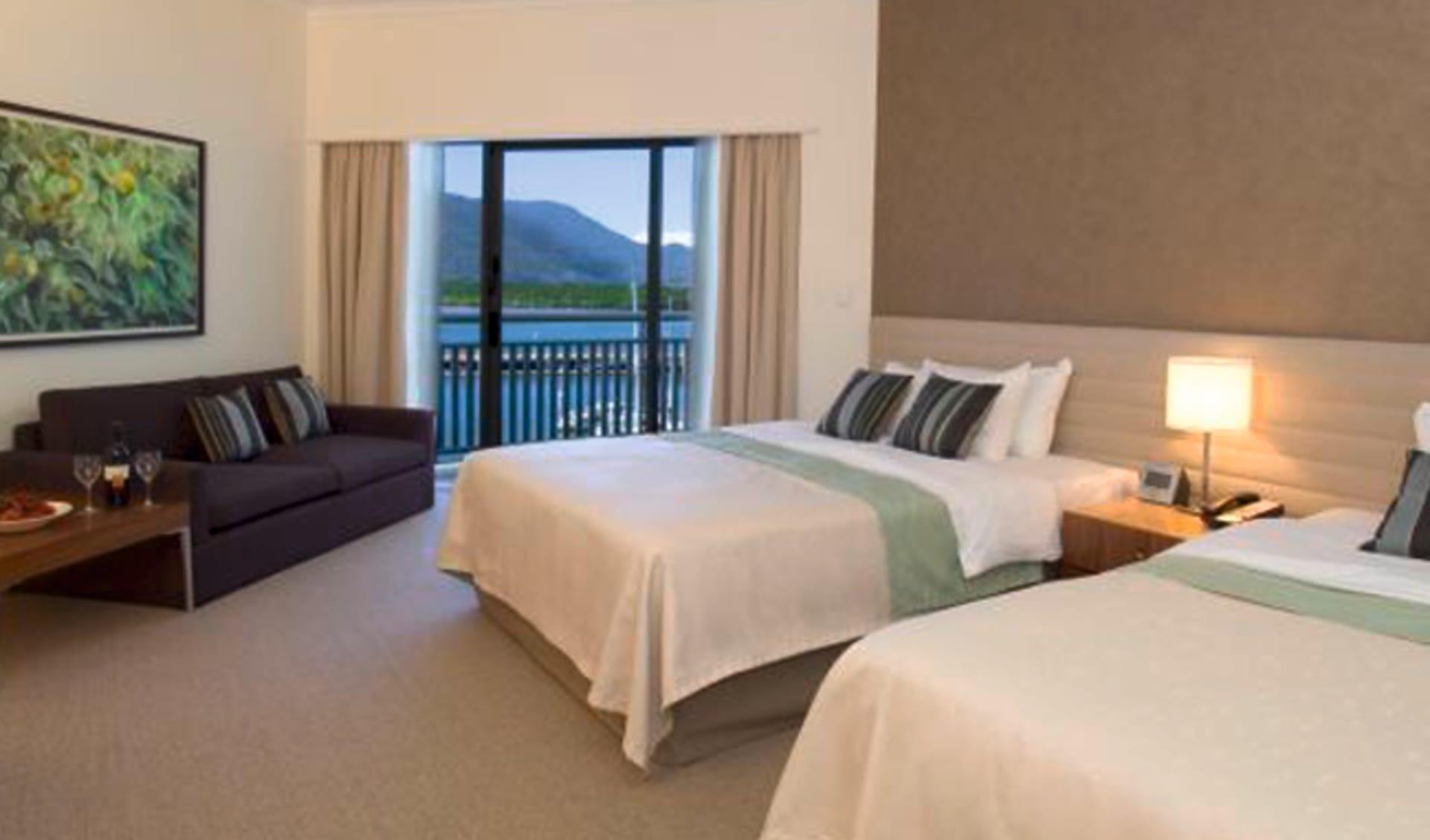 Shangri-La Hotel The Marina Cairns:  Shangri-La Hotel The Marina Cairns - Deluxe Sea View Room