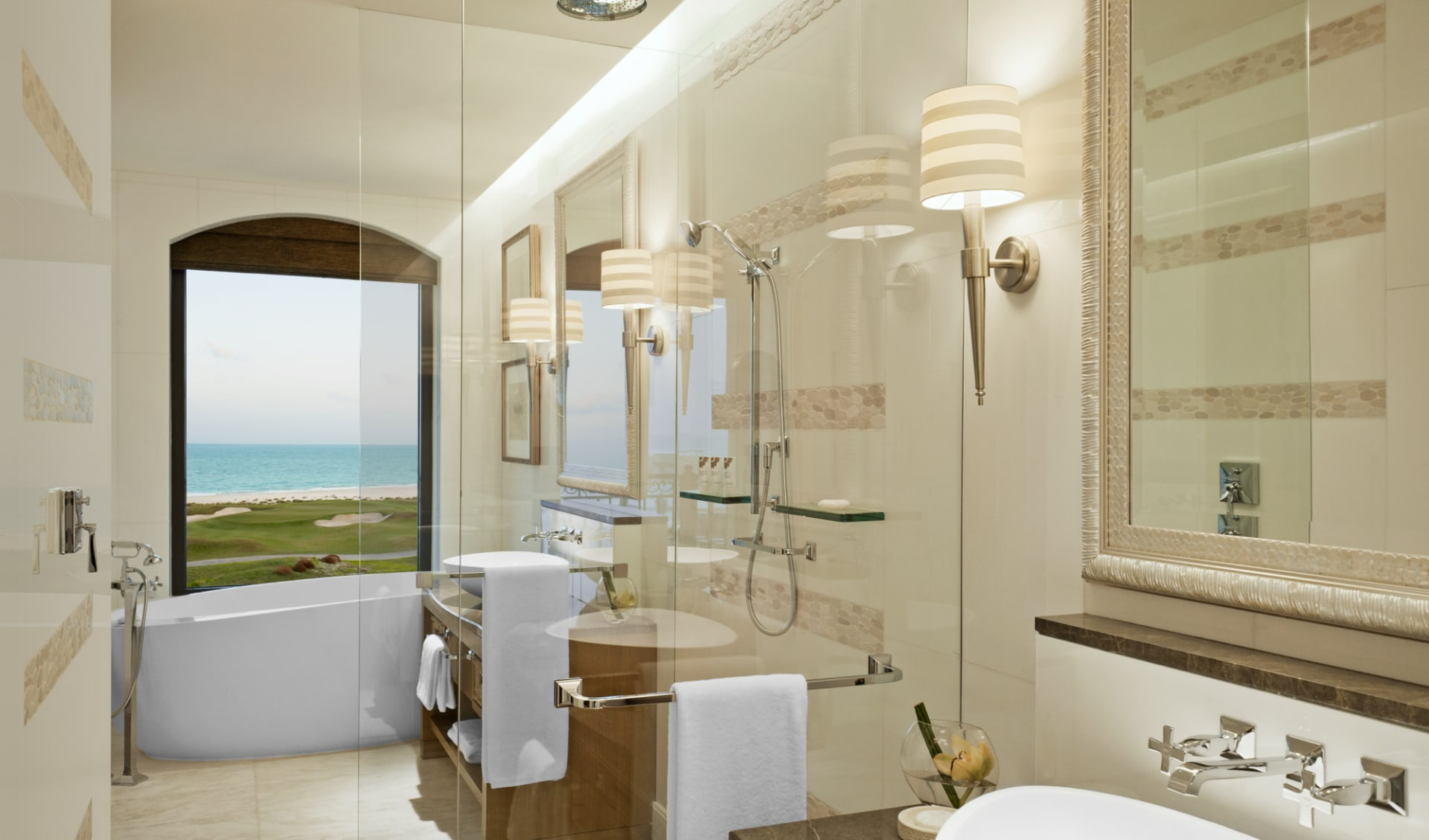 St. Regis Saadiyat Island Resort Abu Dhabi:  St. Regis Saadiyat Island Resort Abu Dhabi - Superior Sea View Badezimmer
