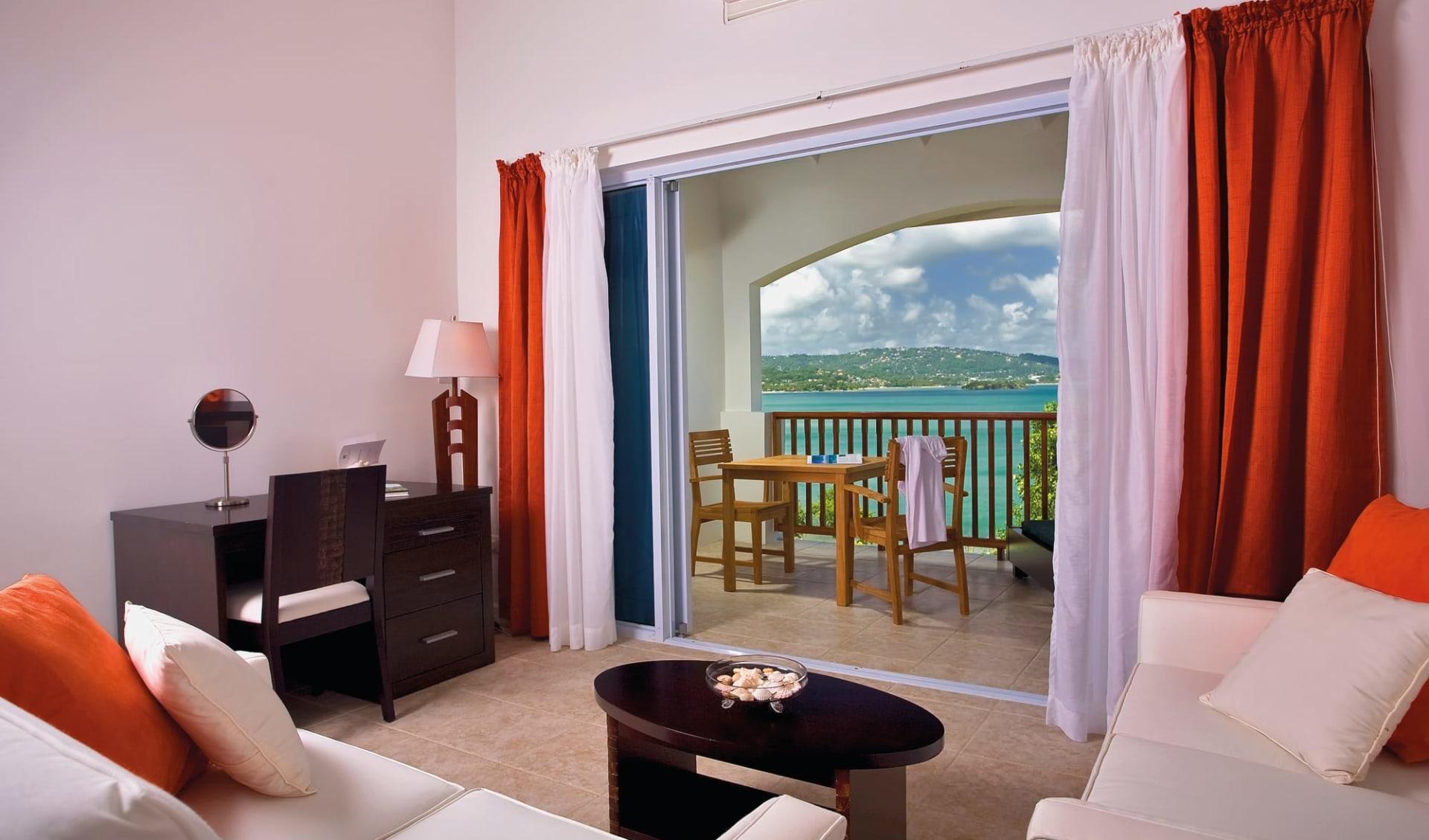 Calabash Cove Resort and Spa in Marisule:  Zimmer Calabash Cove St. Lucia - Oceanview Juniorsuite cHotel