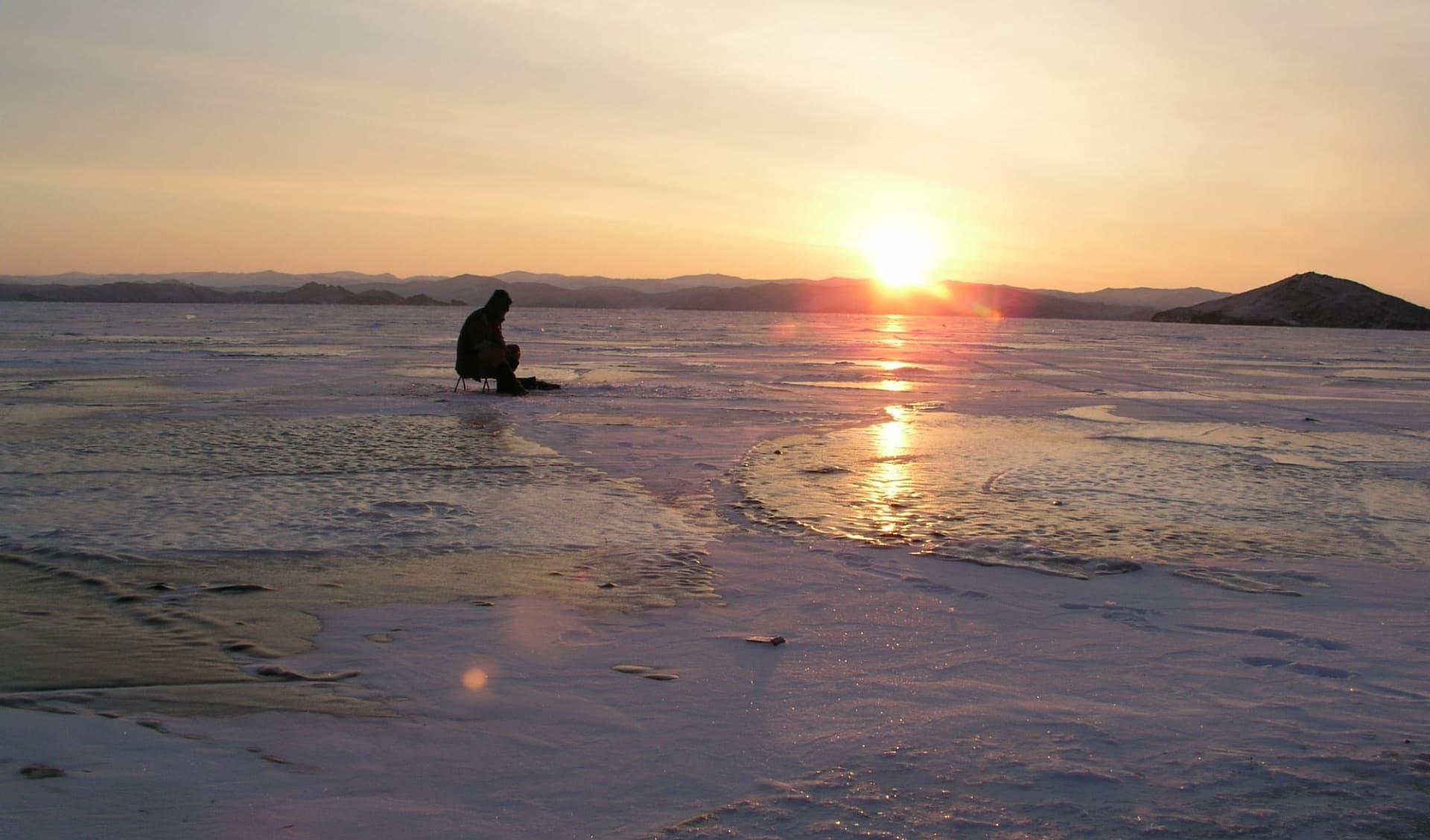 Sonderzug Zarengold Wintermärchen von Moskau nach Ulan Bator: Russland - Baikalsee - Eisfischen