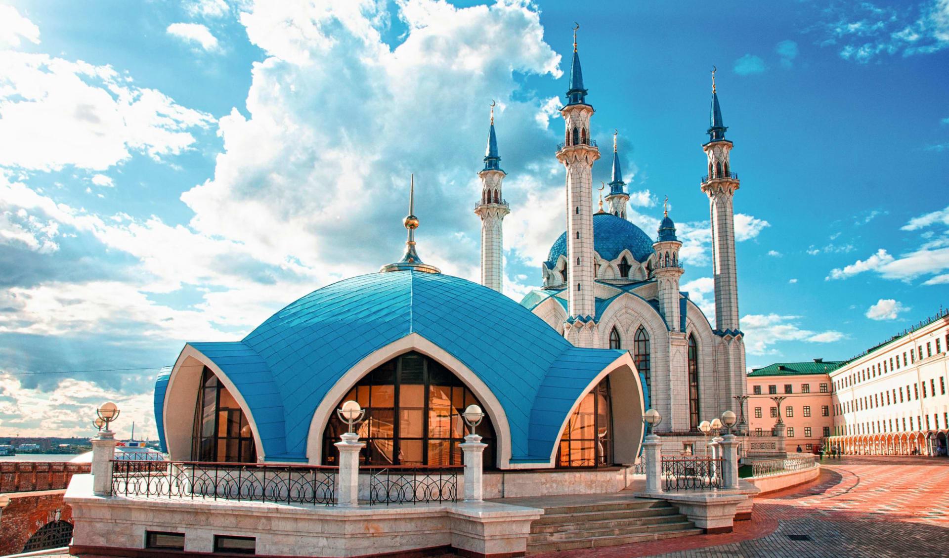 MS Volga Dream  Die südliche Wolga ab Moskau: Russland_Kasan_Kazan_Kul_Scharif_Moschee_Wolga_Fluss_shutterstock_495351964_Elena11