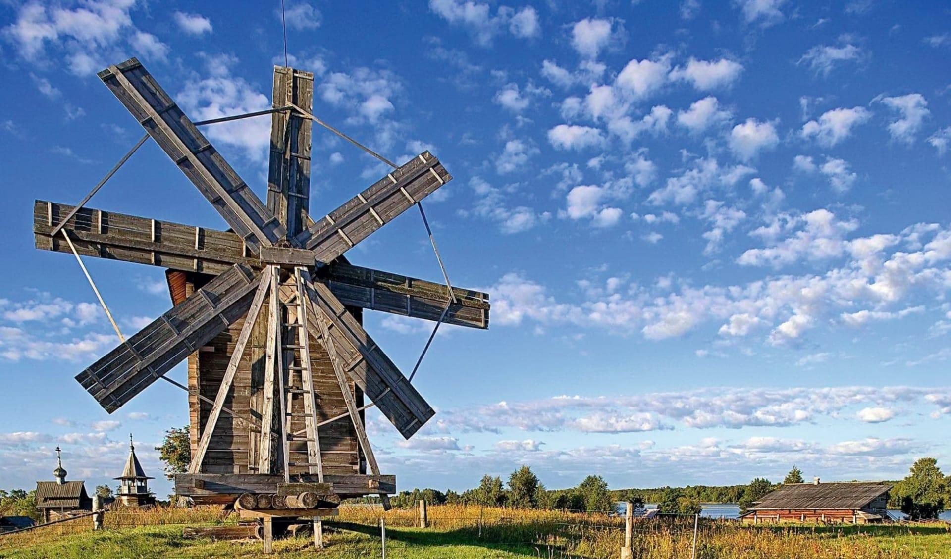 MS Volga Dream, Charme der Wolga von Moskau bis St. Petersburg: Russland_Kizhi_wooden mill_shutterstock_1040618842_EhayDy