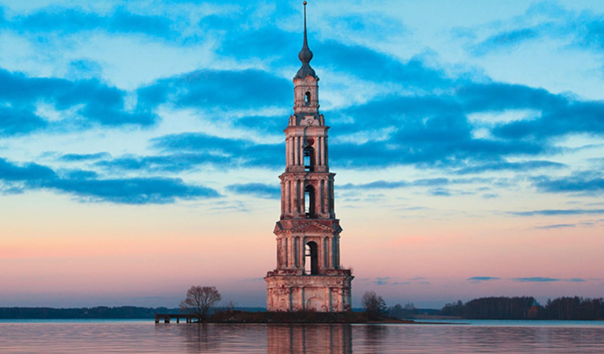 Flooded Belltower, Volga, Kalyazin, Russland