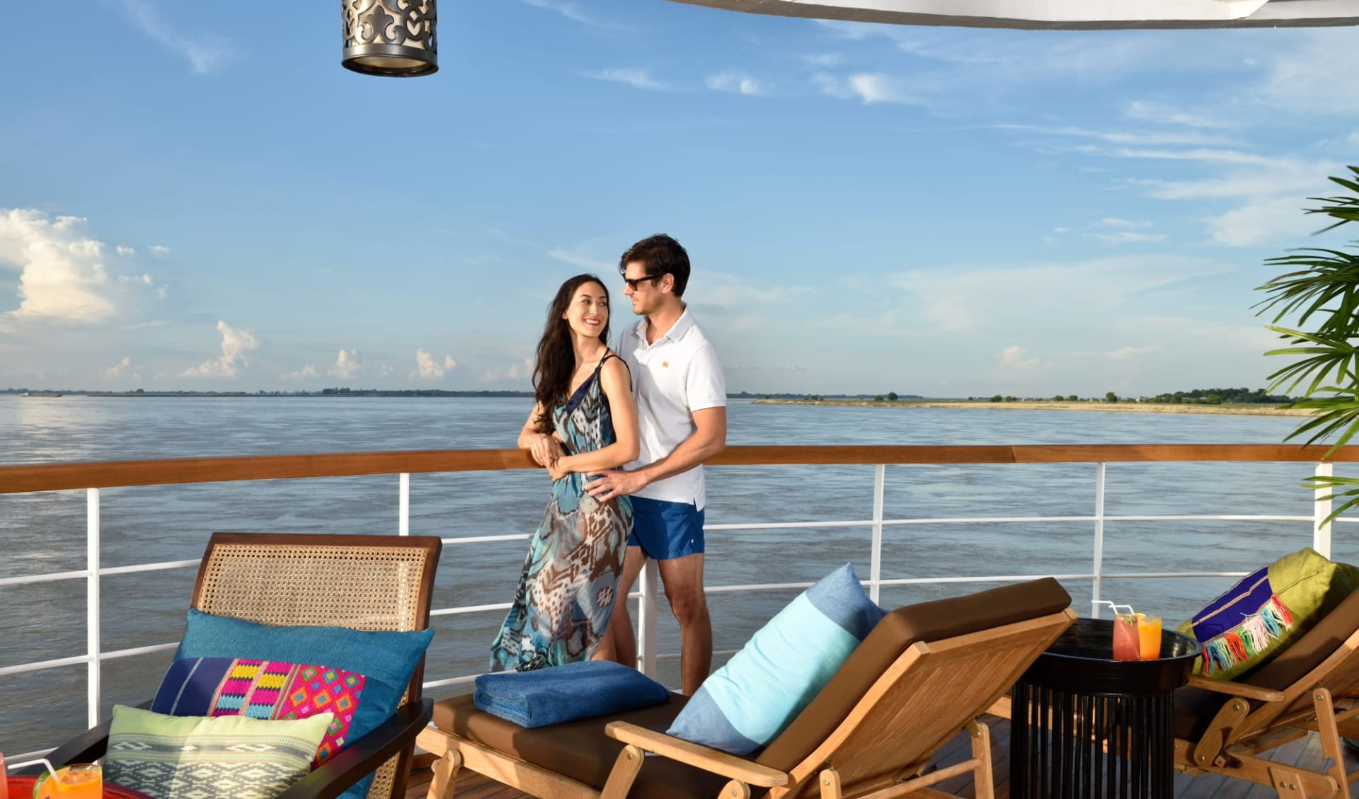 Flusskreuzfahrt auf der «Sanctuary Ananda» Bagan-Mandalay: Sanctuary Ananda Sun Deck Honeymoon