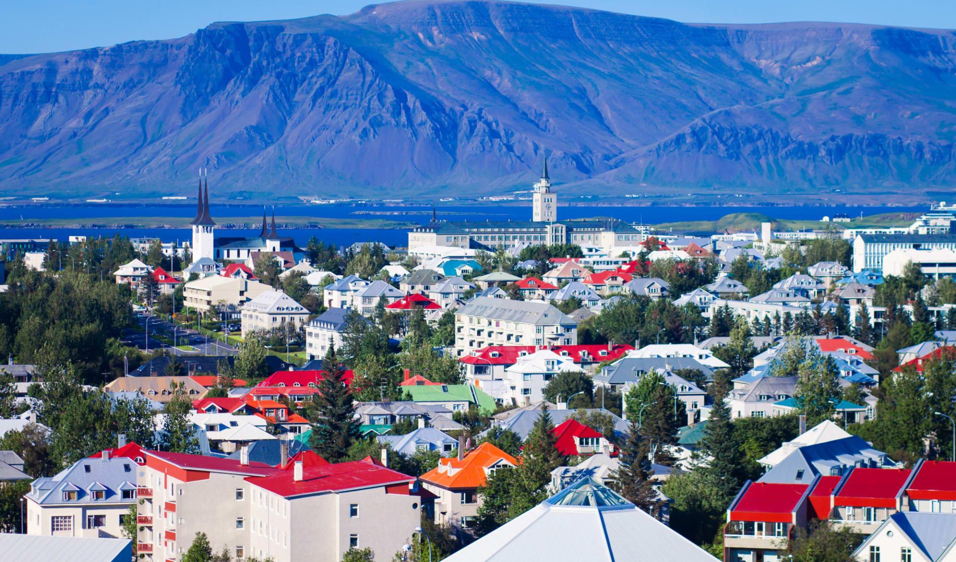 Kea Skuggi in Reykjavik: Schöne super Weitwinkelantenne Blick auf Reykjavik