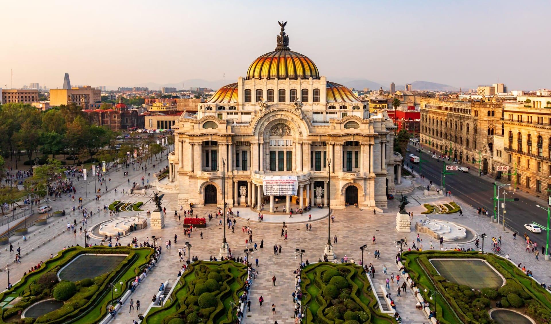 Hilton Mexico City Reforma: shutterstock_1322105165_mexicocity