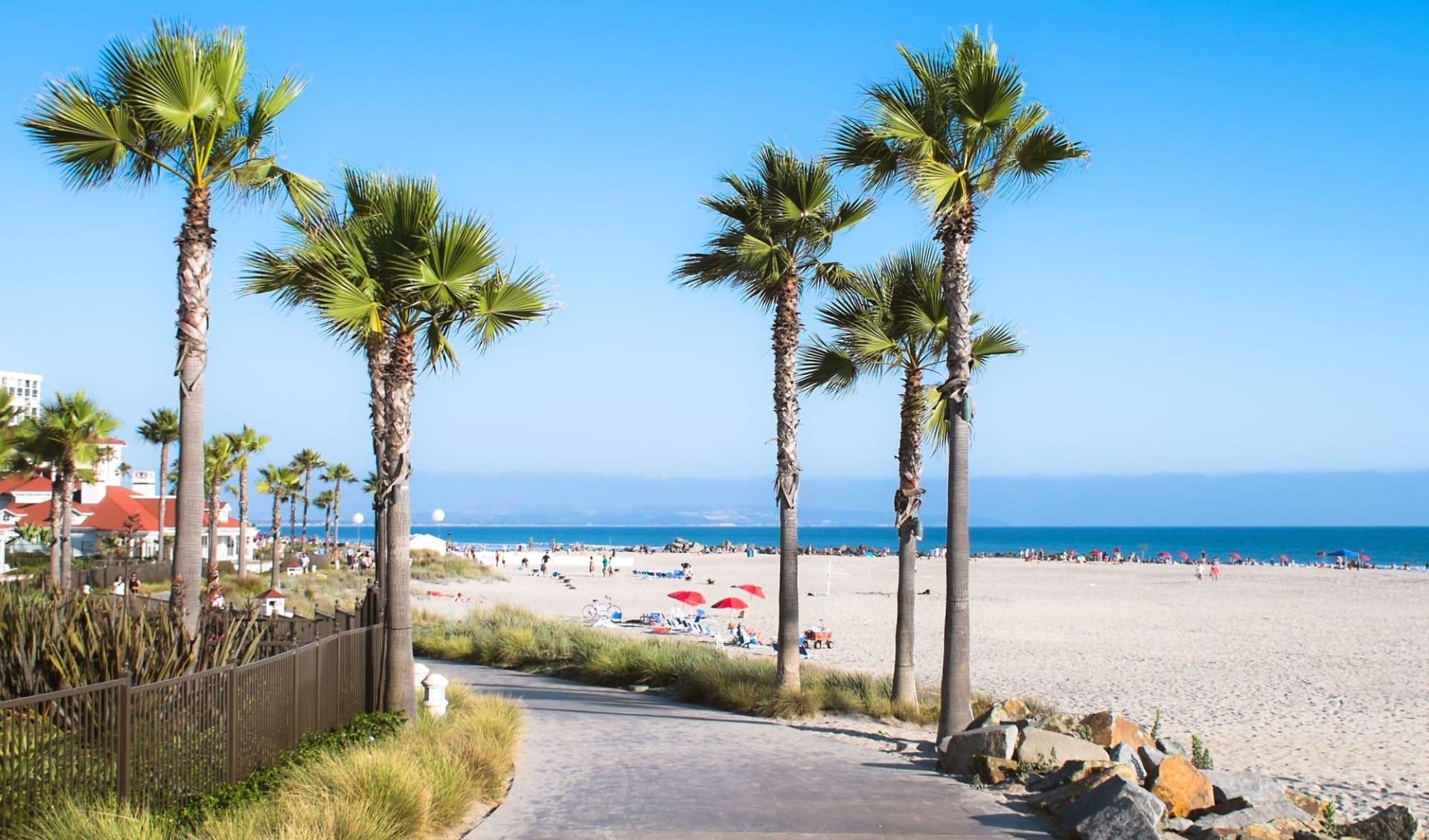 Beach Village at the Del in San Diego: shutterstock_145985252_san-diego2