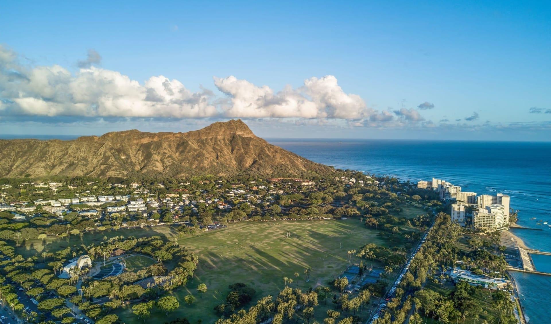 Hyatt Regency Waikiki Beach Resort & Spa in Honolulu - Oahu: shutterstock_1550899859_oahu2