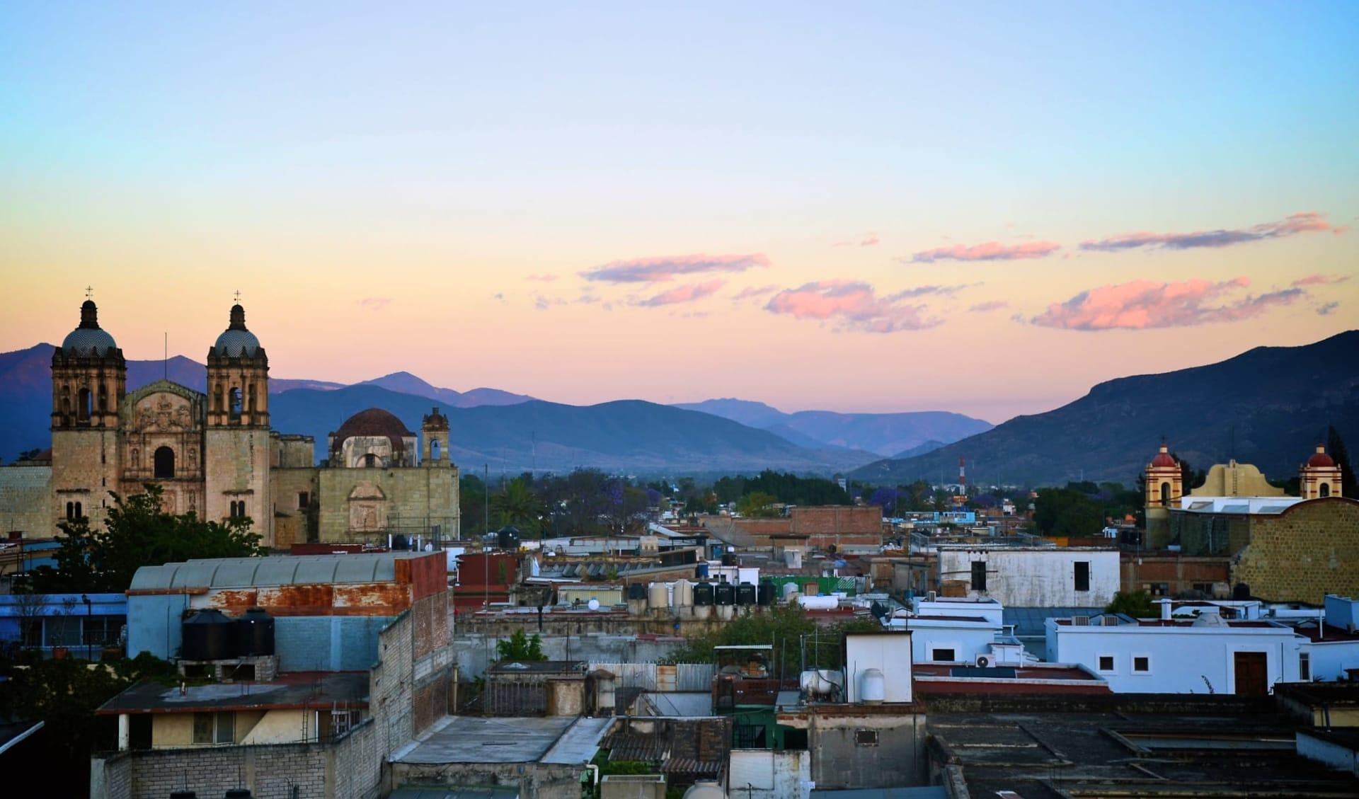 Azul Oaxaca: shutterstock_75782533_Oaxaca