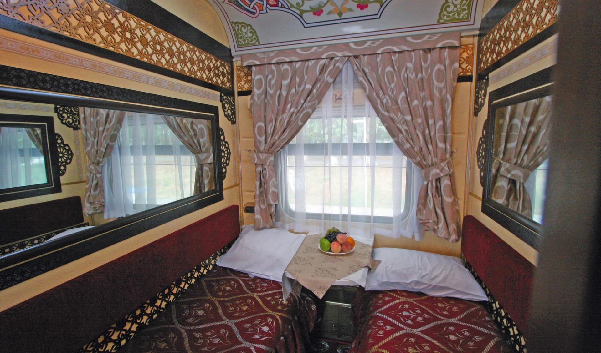 Registan - von Aschgabad nach Almaty ab Ashgabat: Sonderzug_Zentralasien_Registan_AbteilKategorieAladin
