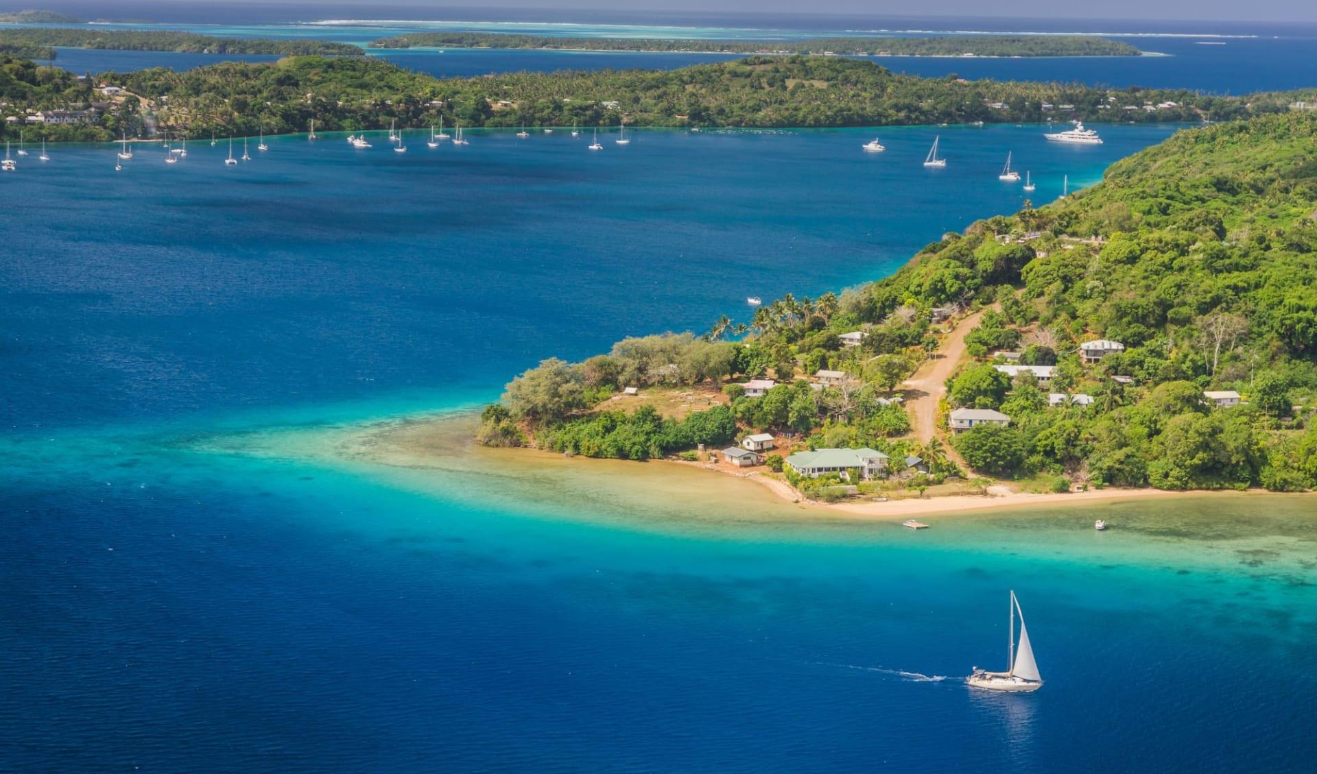 Kreuzfahrt Neuseeland, Fidschi, Samoa und Tonga ab Auckland: Südsee - Tonga - Vogelperspektive - Shutterstock Michael Durinik