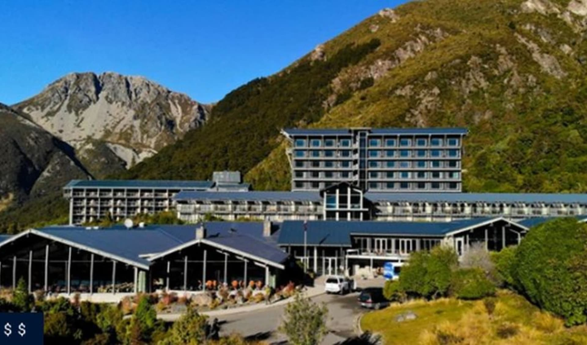 The Hermitage Hotel in Mount Cook: The Hermitage Mt Cook exterior