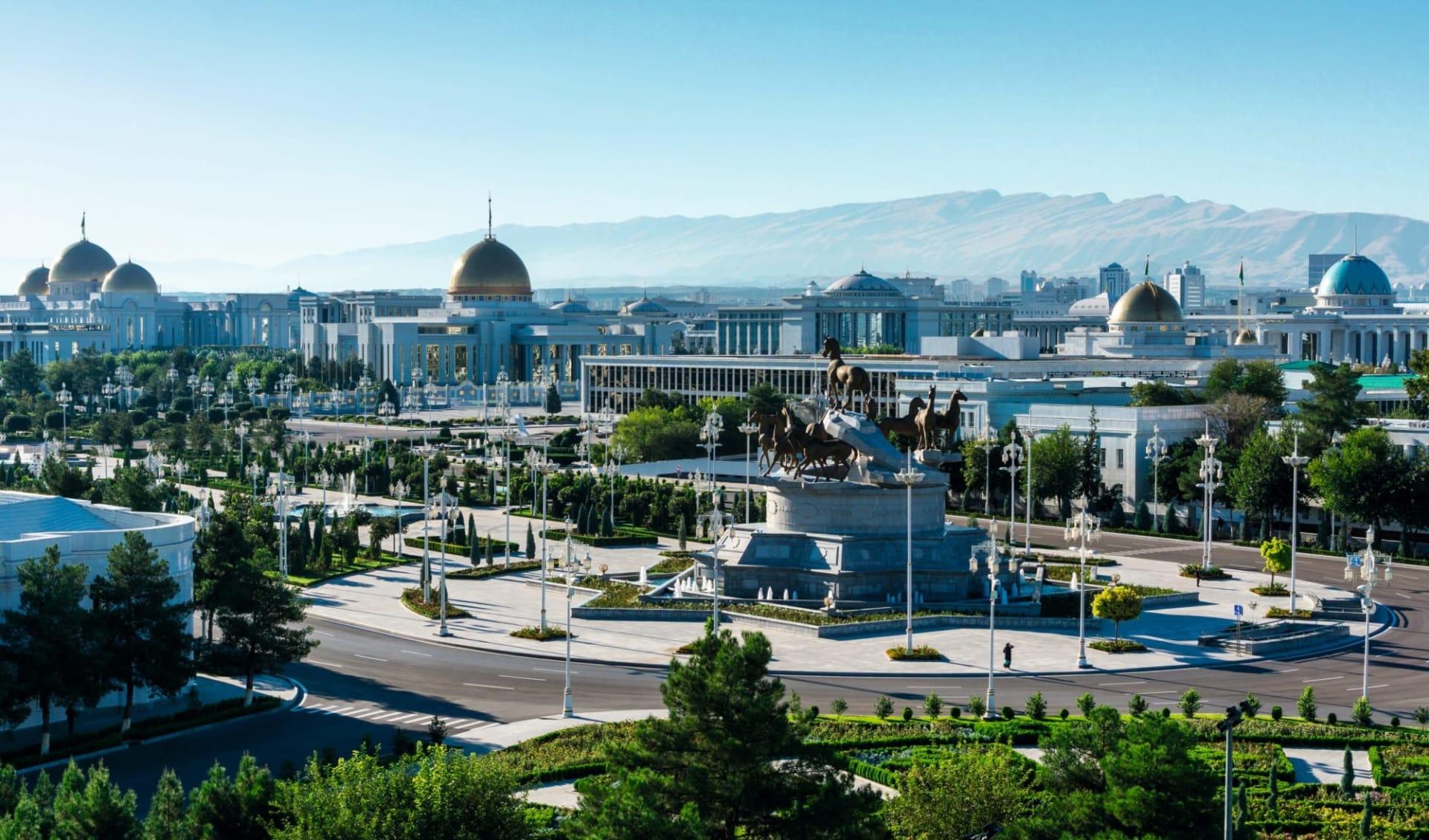 Golden Eagle, Luxuriös entlang der Seidenstrasse ab Peking: Turkmenistan_Aschgabad_Panorama_