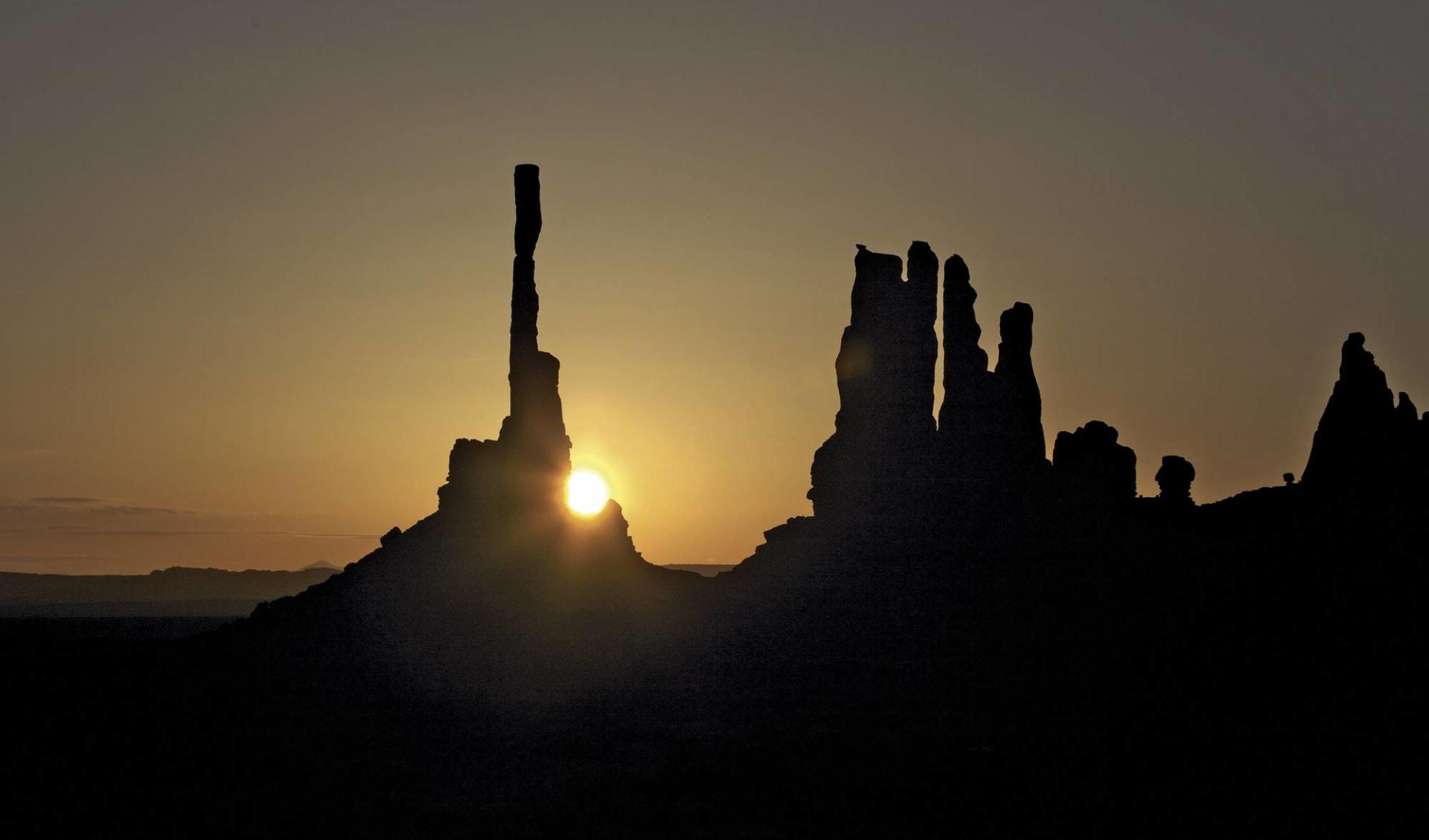 Entdecker-Reise Südwesten ab San Francisco: USA - Arizona - Monument Valley bei Sonnenuntergang