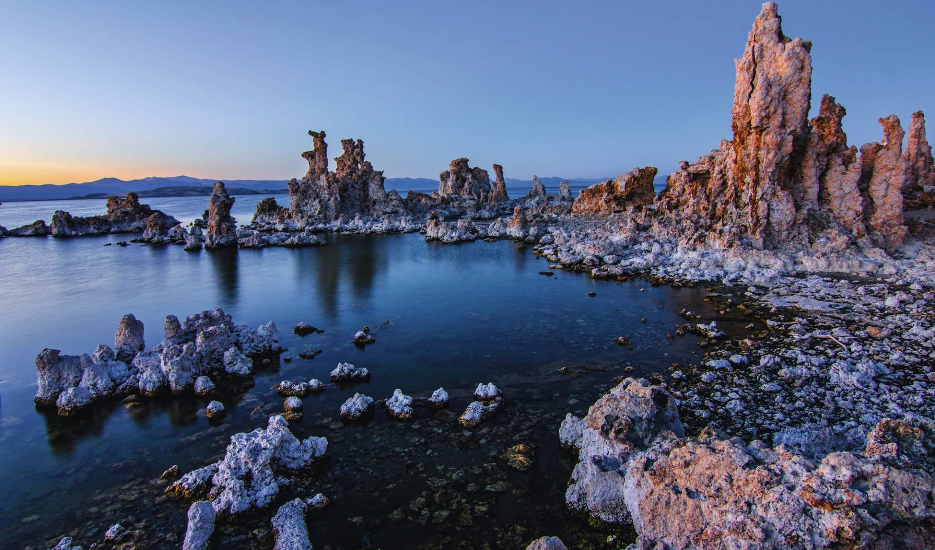 Nationalparks der Rocky Mountains ab San Francisco: USA - California - Mono Lake