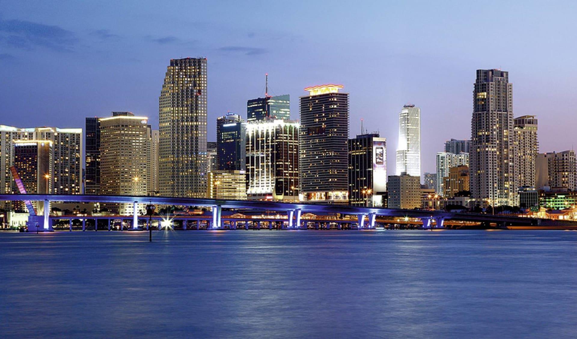 Florida Deluxe ab Miami: USA - Florida - Miami Downtown Skyline