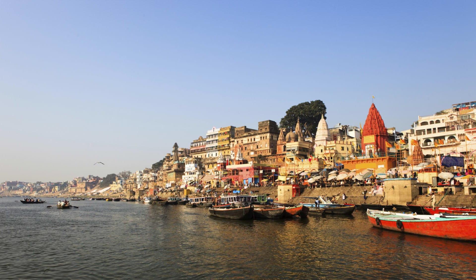 Reise zum heiligen Ganges ab Delhi: Varanasi: view from the river