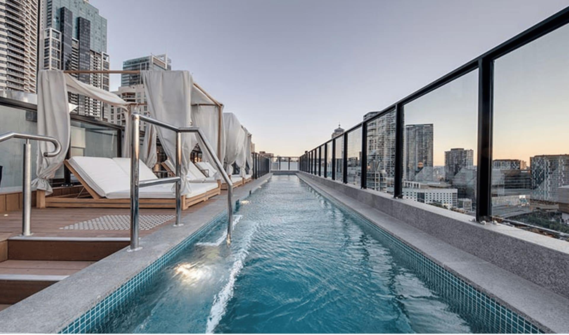 Vibe Hotel Darling Harbour in Sydney: Vibe Darling Harbour Pool