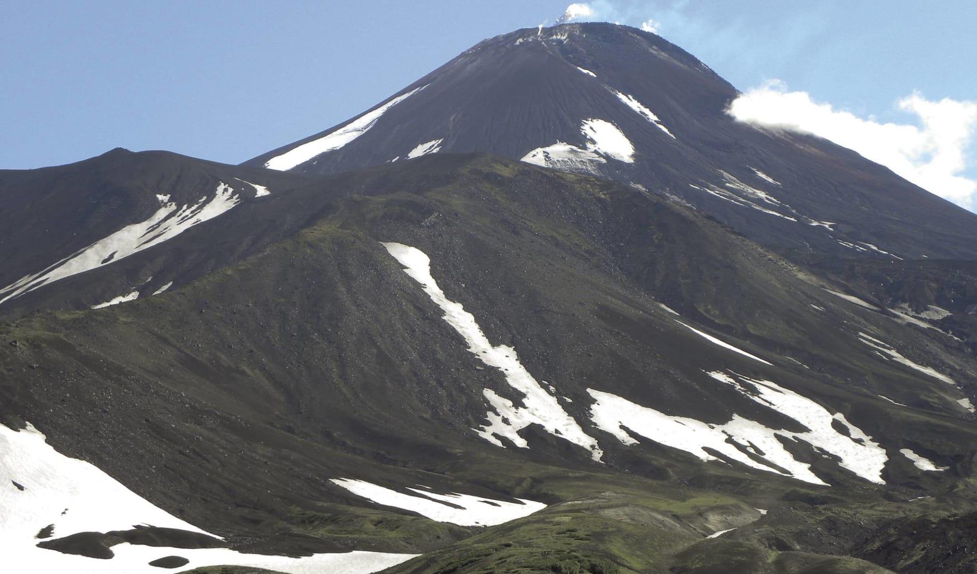 Vulkane, Geysire und Bären ab Petropawlowsk-Kamtschatka: Vulkane, Geysire und Bären_Avachinsky-Vulkan