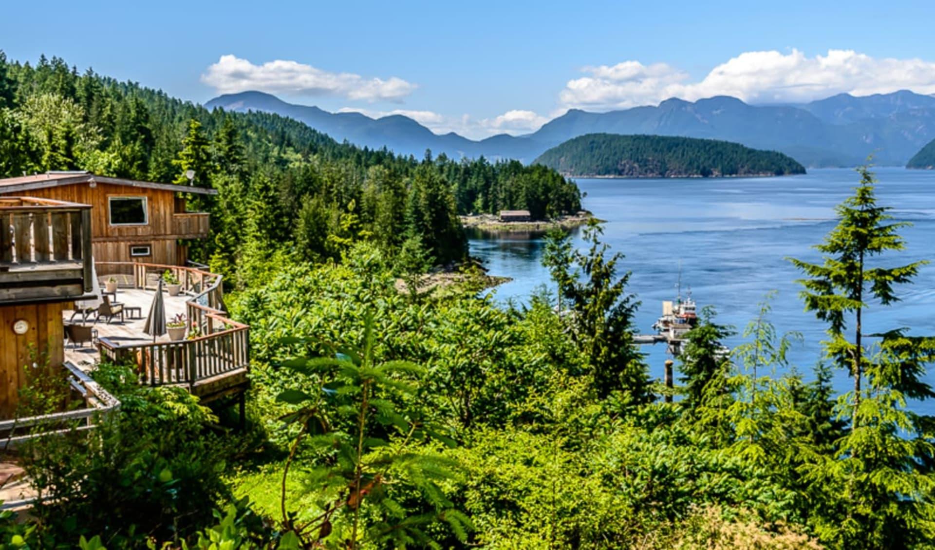 West Coast Wilderness Lodge in Egmont: YZGWW_exterior_020