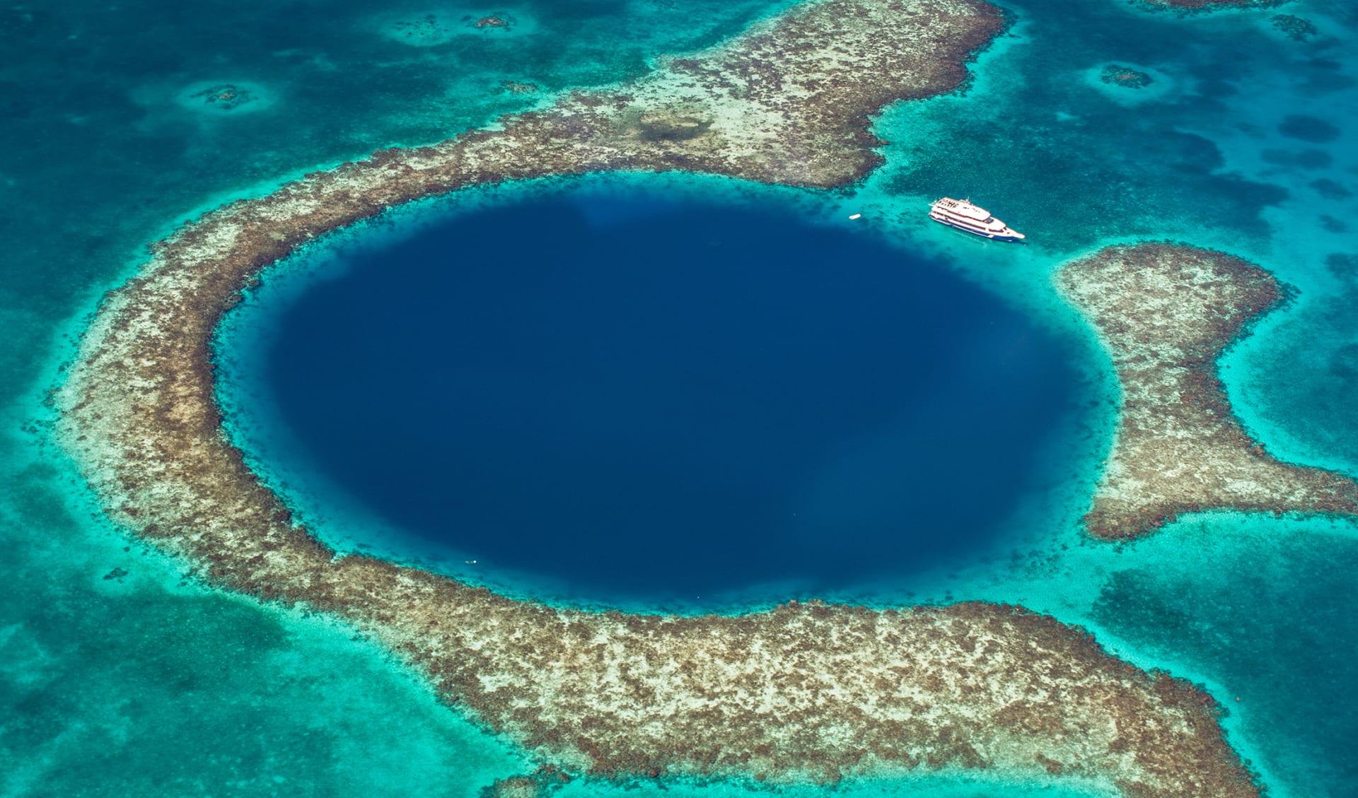 Das große blaue Loch in Belize