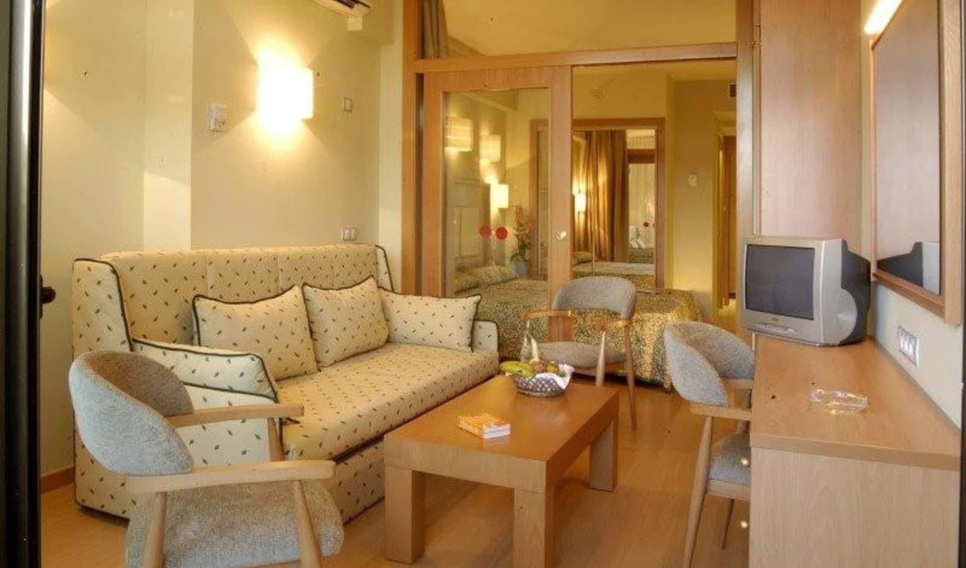 Lloret de Mar - Hotel Olympic Suites & Palace ab Costa Brava: Zimmer 1