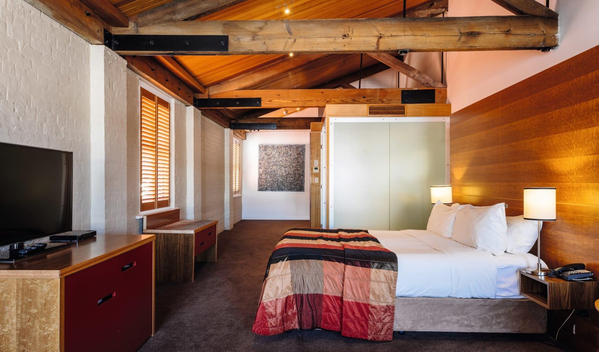 Henry Jones Art Hotel in Hobart: Zimmer Australia Tasmanien Hobart Henry Jones Art Hotel Dluxe Spa Harbour View Zimmer 2019