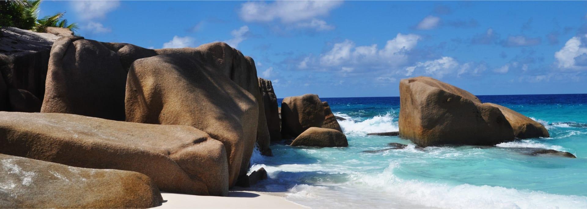 Typische Felsformation auf der Cousine Insel, Seychellen