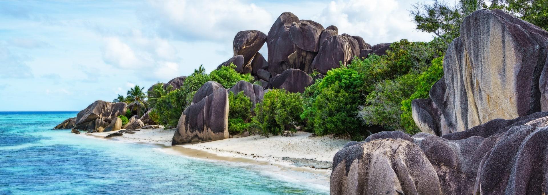 Der Strand Grande Anse auf der Insel La Digue auf den Seychellen