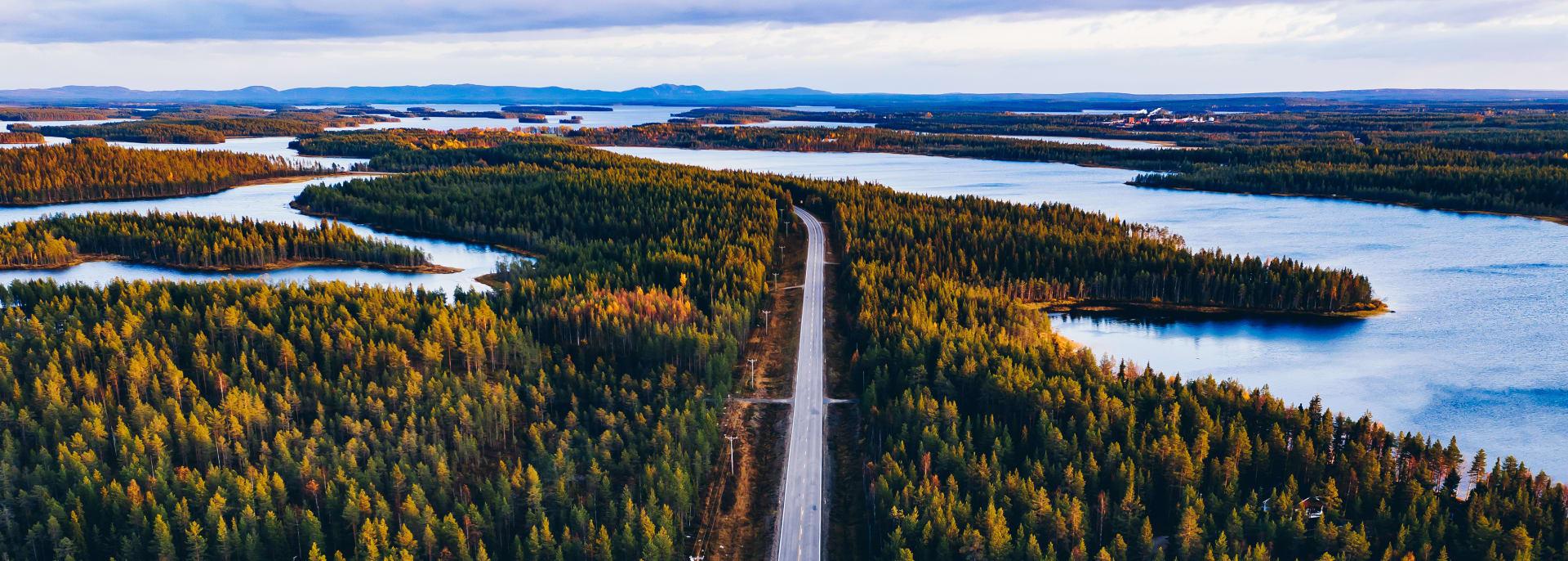 Mietwagenrundreisen, Waldstrasse, Finnland