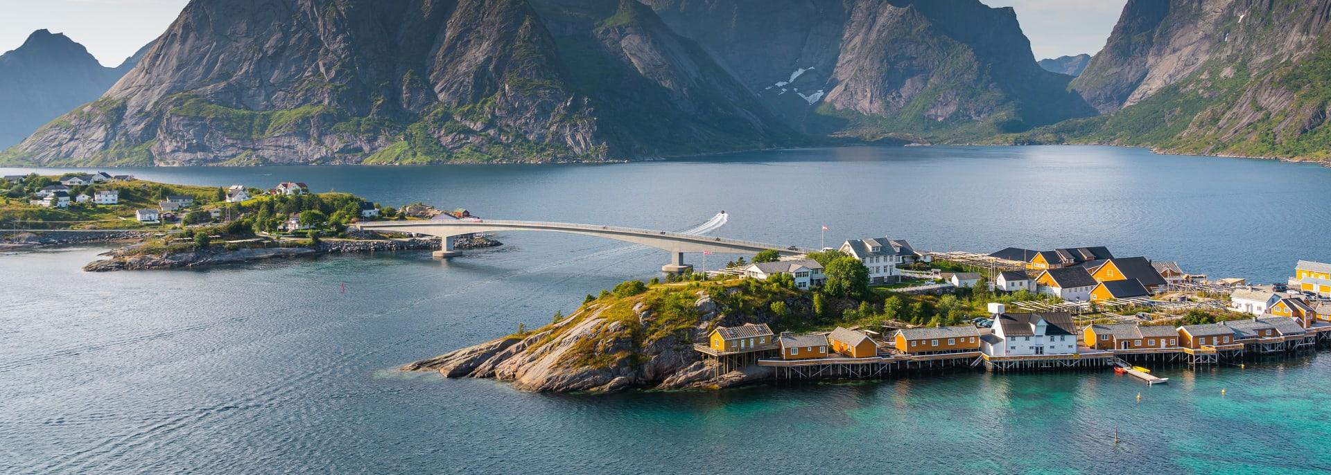 Sakrisoisches Fischerdorf, Norwegen