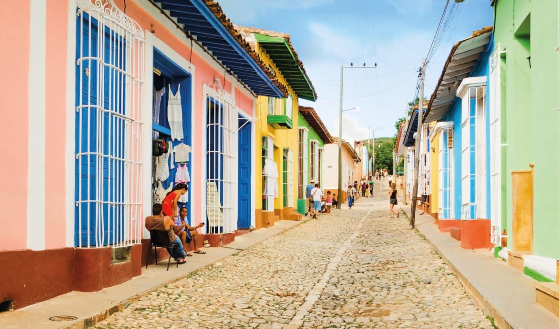 Iberostar Trinidad: Stadt Trinidad - Kuba Farbige Häuser mit Pflastersteine C