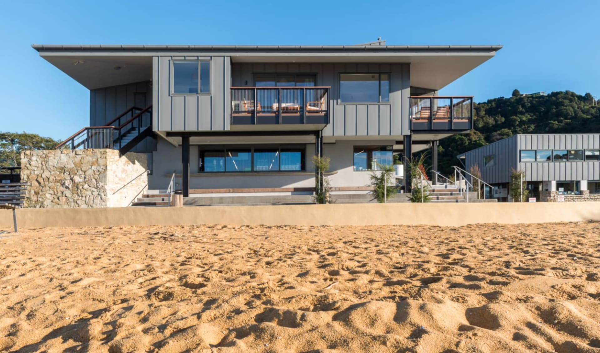 Kaiteriteri Reserve Apartments: Kaiteriteri exterior