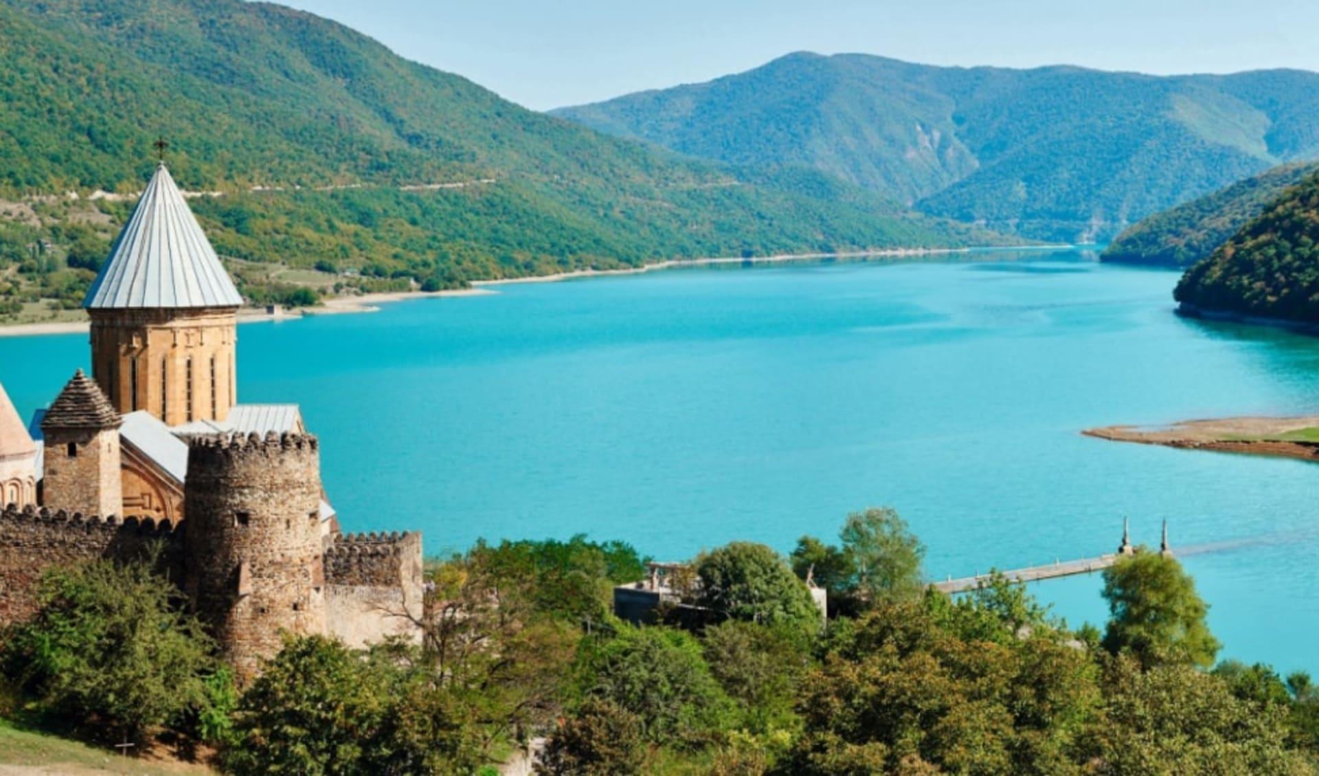 Georgien entdecken Privat ab Tiflis: Georgien_AnanuriKirche_