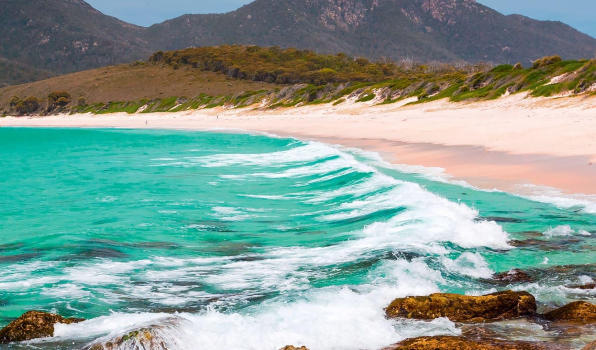 Best of Tasmania ab Hobart: Australia - Tasmania - Freycinet NP - Wineglass Bay - Strand