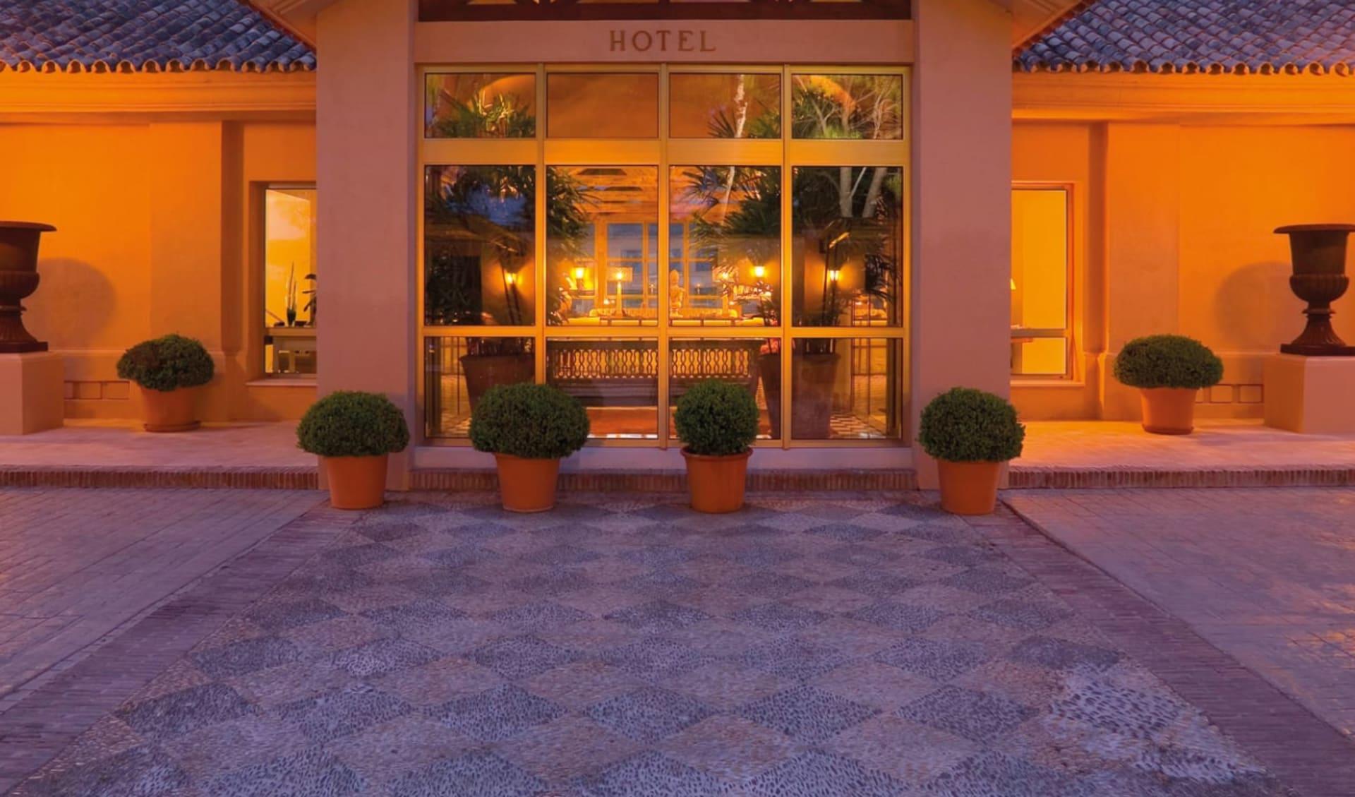 Rio Real in Marbella: Entrance-Hotel-Rio-Real