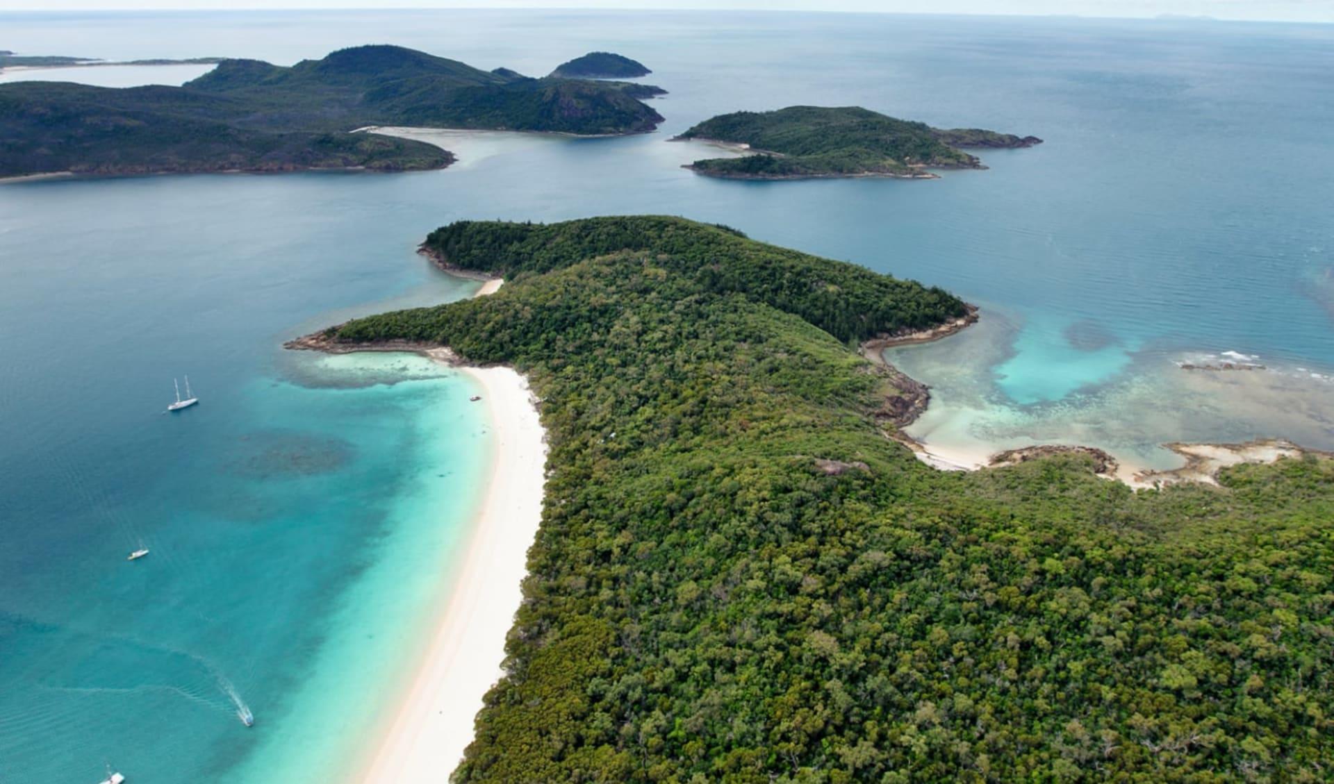 Kiana - Island, Reef & Dive ab Airlie Beach: Australia - Queensland - Whitsundays - Luftaufnahme