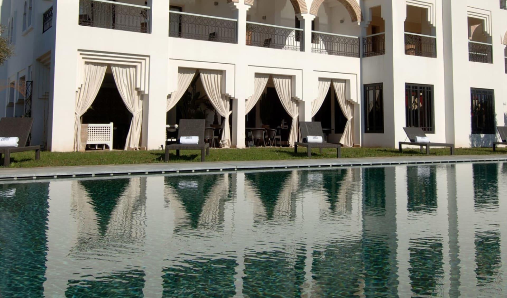 Riad Villa Blanche in Agadir: côté piscine