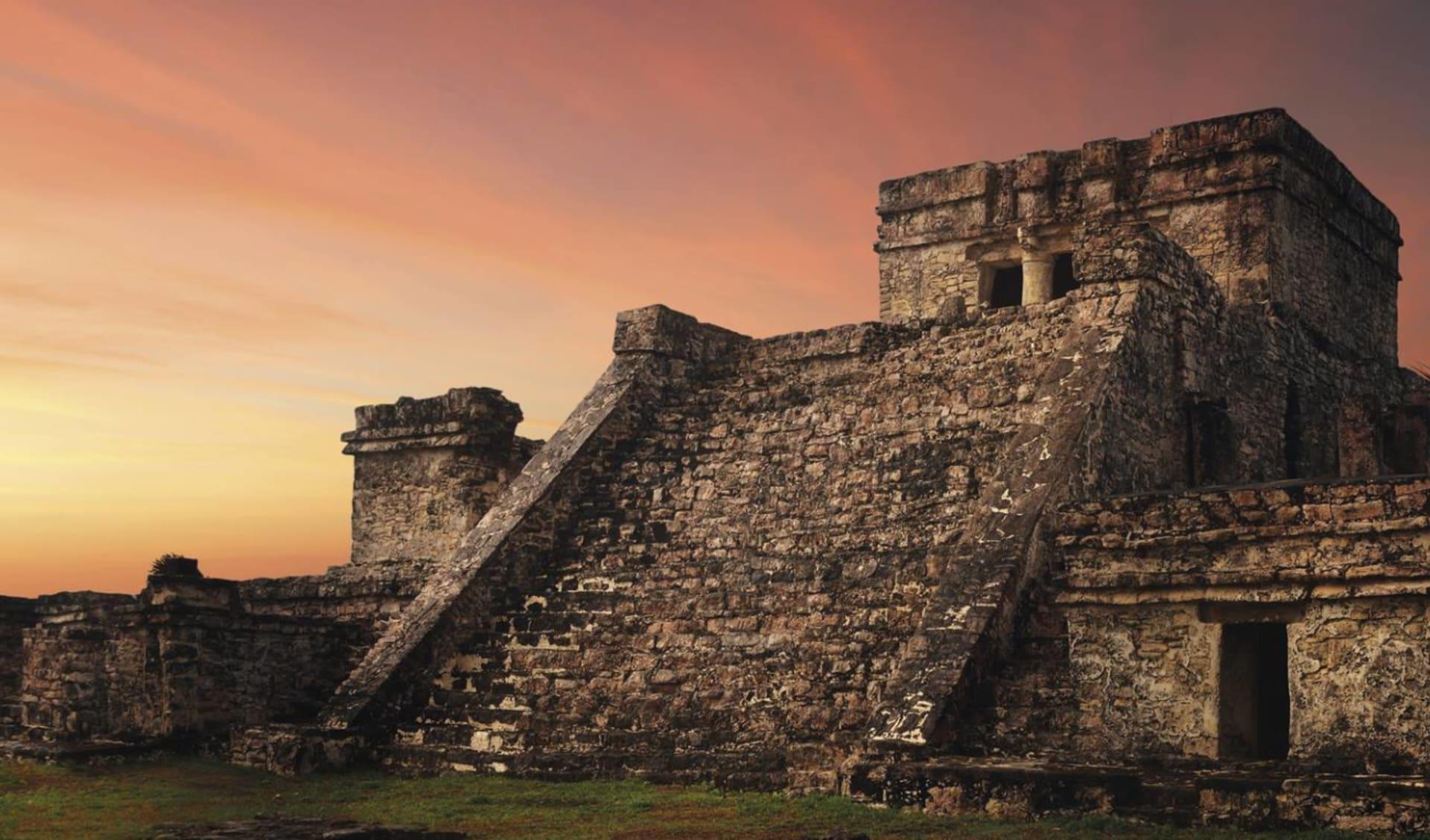 Privatreise Mundo Maya ab Guatemala City: Mexico - Yucatan - Maya Ruinen bei Sonnenuntergang