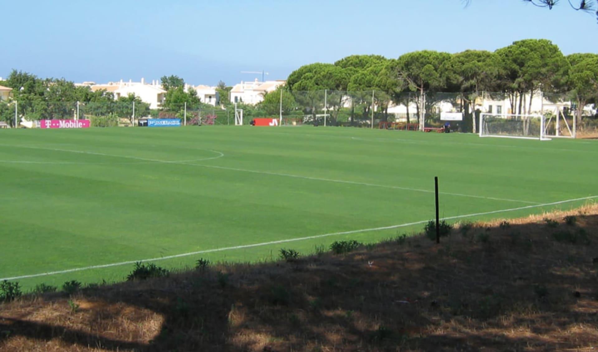 Vilamoura - Browns Sports & Leisure Club: GRASS PITCH V_cmyk_big
