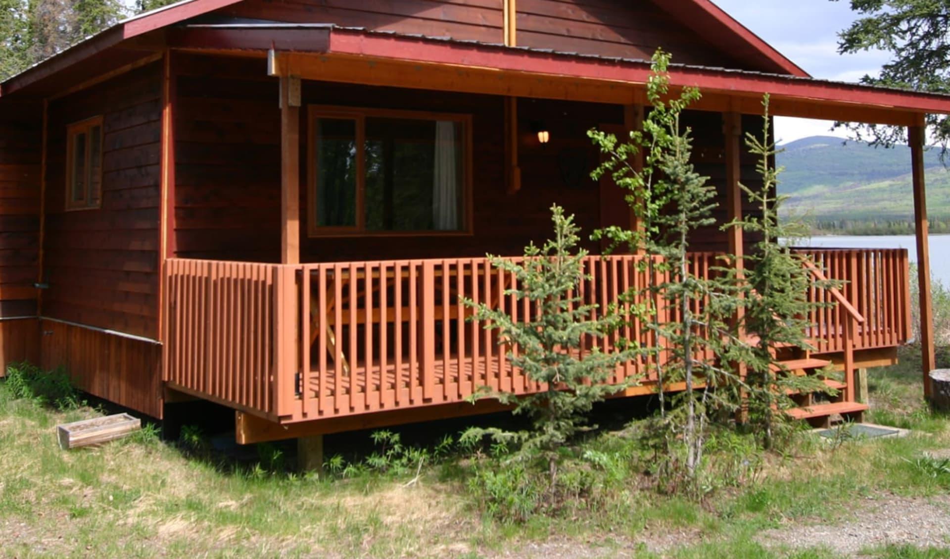 Dalton Trail Lodge in Haines Junction: Aussenansicht Cabine