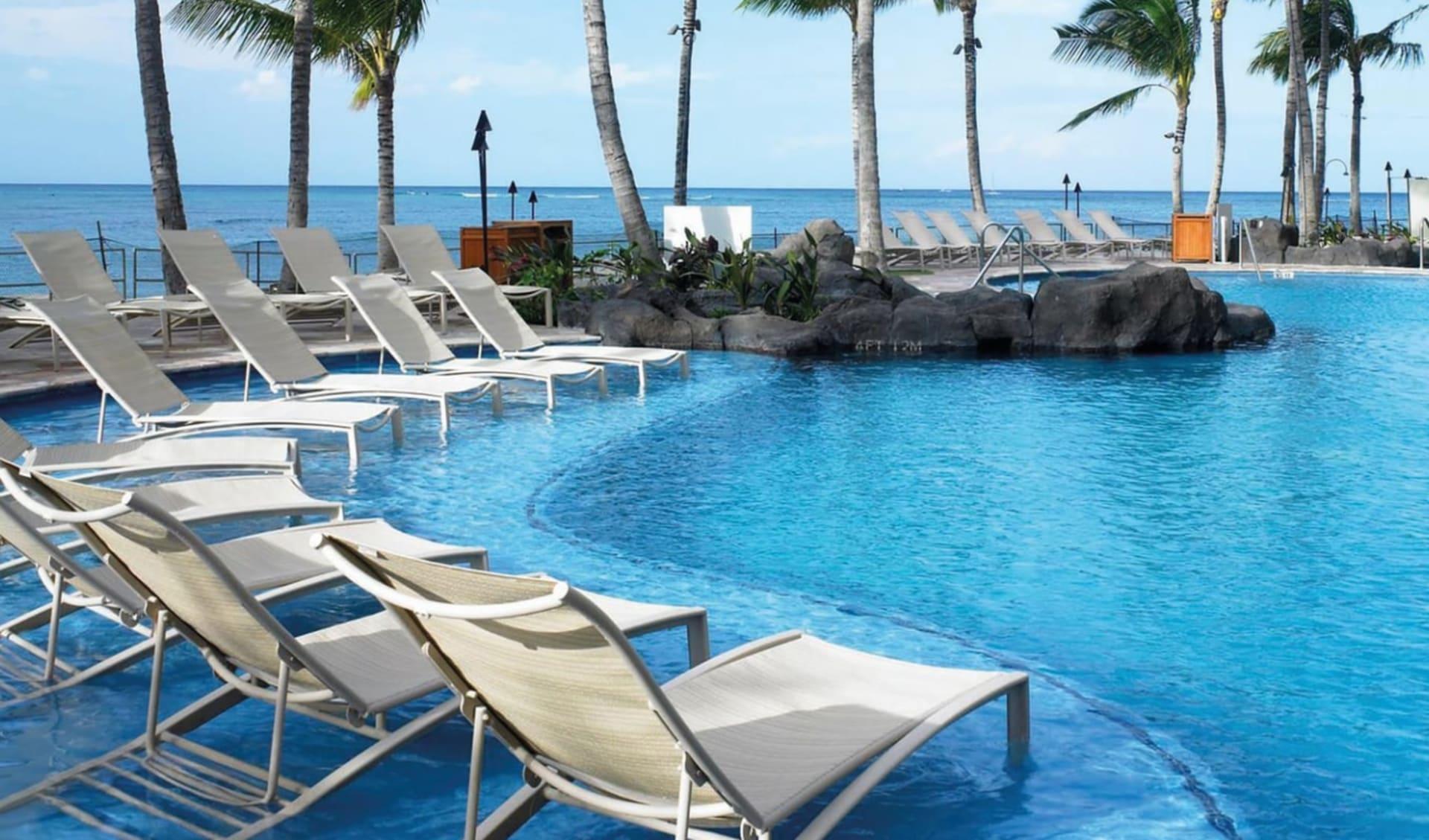Sheraton Waikiki in Honolulu - Oahu: Sheraton Waikiki - Poollandschaft