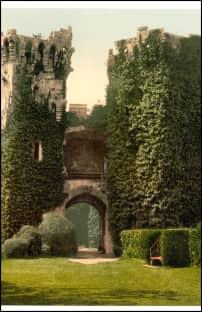 Picture of Raglan Castle in Wales