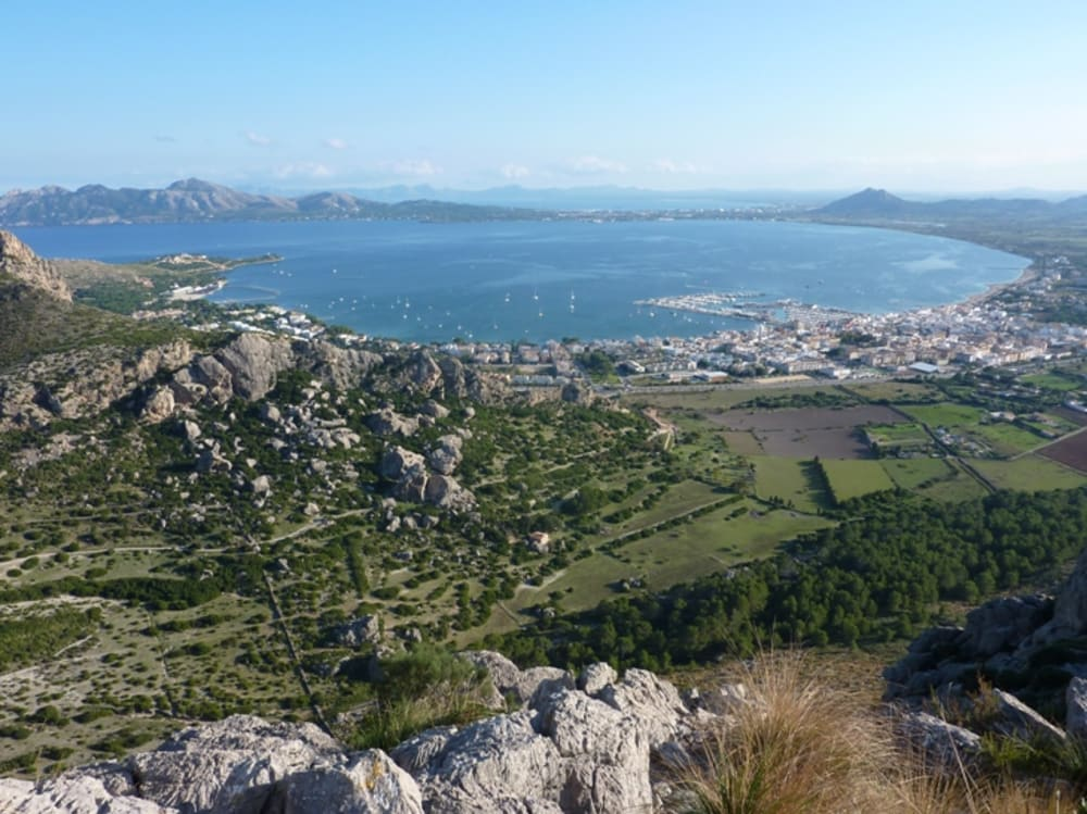 The view down to Puerto Pollensa from the Cavell Bernat Ridge