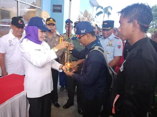 Lepas Tim Kirab api obor Asian Games 2018, Bupati Winarti Doakan Semoga Menjadi Juara